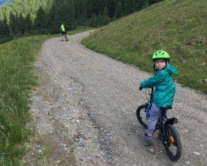 A biciklizés a kedvenc elfoglaltságunk